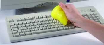how to keep your laptop keyboard clean